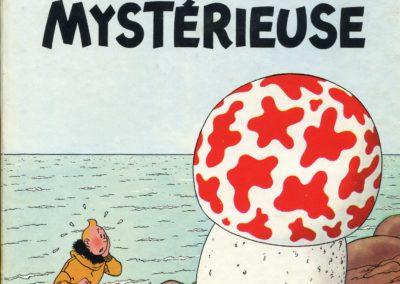 """L'album """"l'Étoile Mystérieuse"""" , une aventure de Tintin par Hergé"""