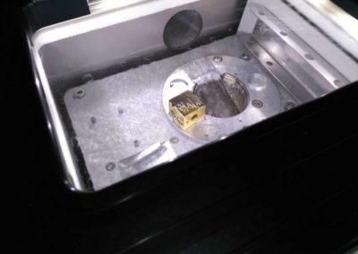 L'échantillon et la chambre de cryogénisation