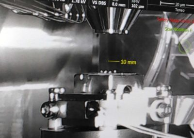 Placement de l'échantillon sous vide et dans le froid au sein du microscope